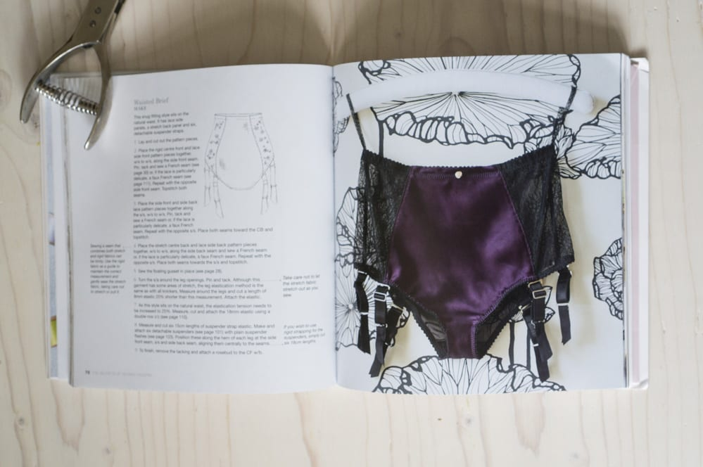 vintage garter belt pattern