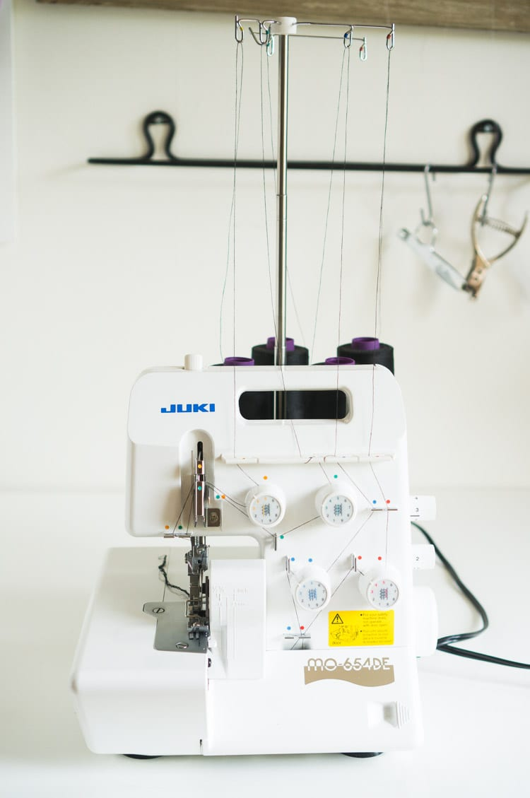 Serger & overlocker review // Juki MO - 654 // Closet Case Files