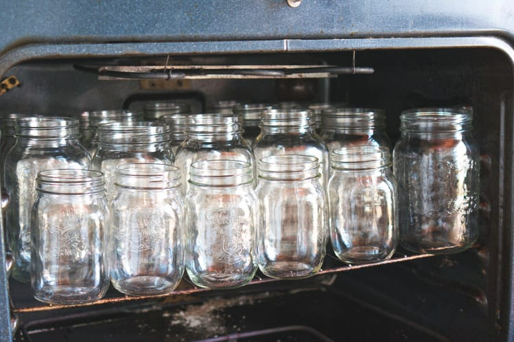 How to sterilize canning jars // Canning tomatoes tutorial // Closet Case Files