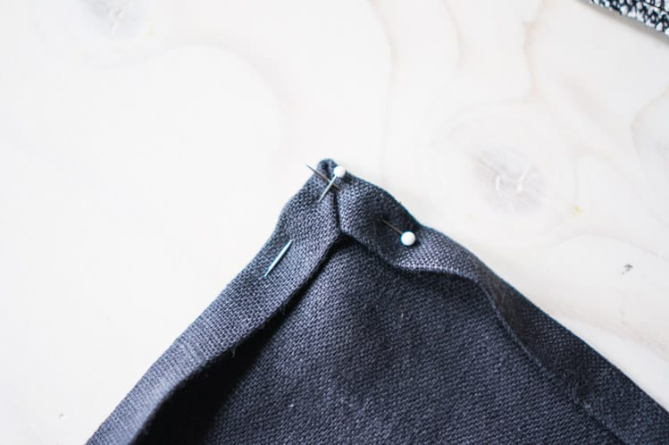 How to sew napkin with mitered corners10