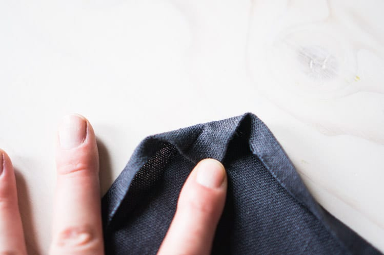 How to sew napkin with mitered corners8