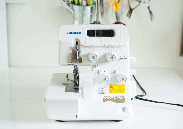 Juki serger & Overlocker review // Juki MO-654DE // Closet Case Files