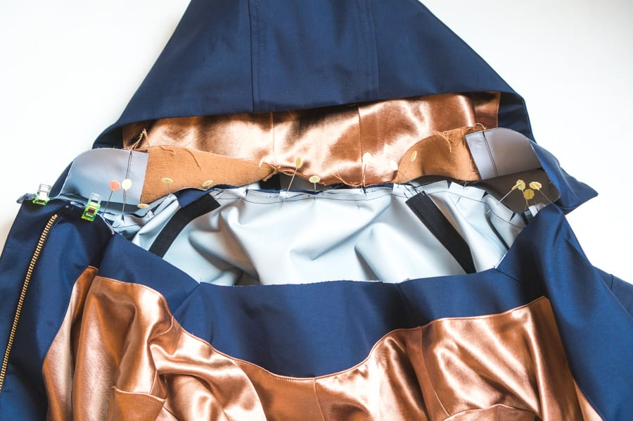 Kelly Anorak Sewalong // Attaching the lined hood // Closet Case Patterns