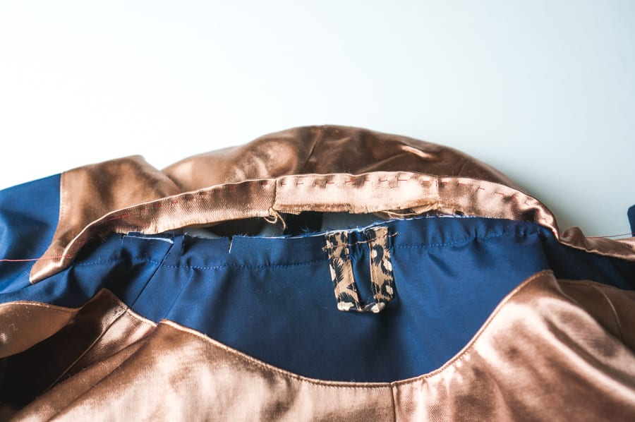 Kelly Anorak Sewalong // Securing the hood lining // Closet Case Patterns