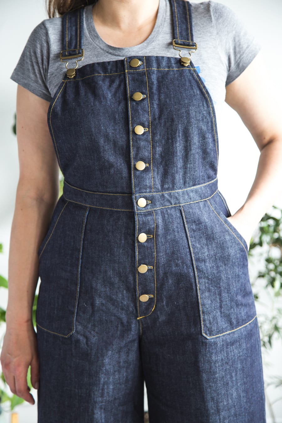 How to sew a center button front pair of Jenny Overalls! Free pattern bonus and tutorial from Closet Case Patterns